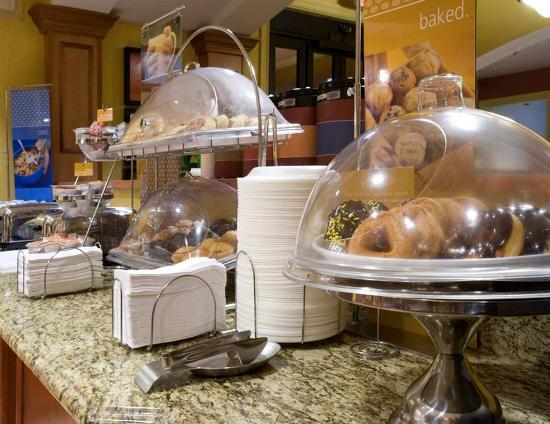 Port Wentworth, GA: Breakfast Buffet