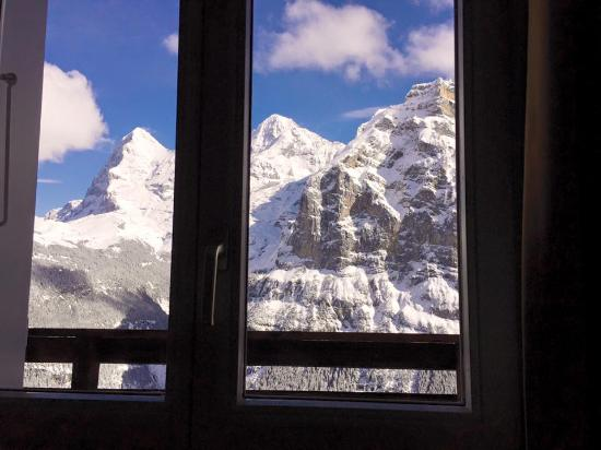 Hotel Eiger: The view from our bed!