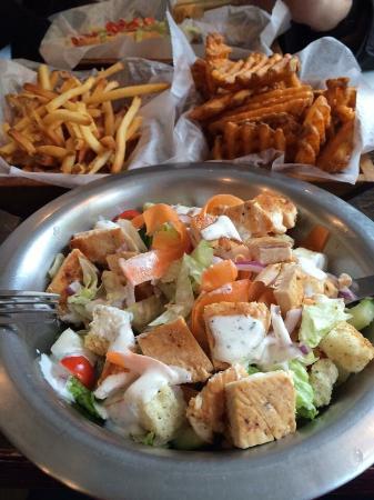 Wogies Bar & Grill