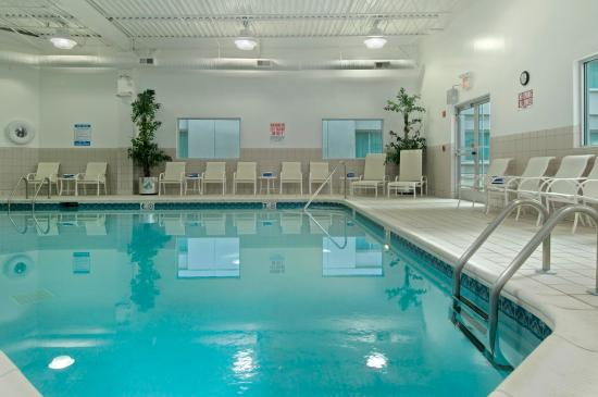 Return trip review of hilton cincinnati airport florence ky tripadvisor for 5 star hotels in florence with swimming pool