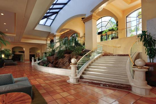 The Waterfront Beach Resort, A Hilton Hotel: The Waterfront Beach Resort Lobby