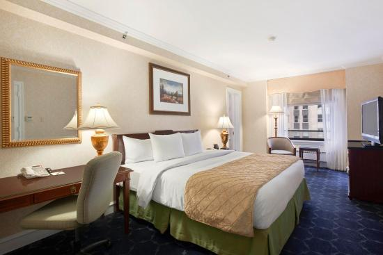 The Drake Hotel: Accessible King Bed Guestroom