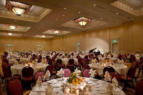 Vancouver, WA: Discovery Ballroom-Rounds