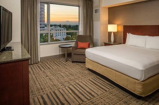 Vancouver, WA: Presidential Suite Bedroom
