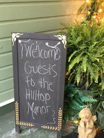 Hilltop Manor Bed and Breakfast: photo2.jpg