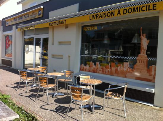 Orsay, Francia: Le restaurant est ouvert tous les jours !