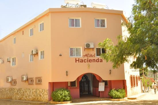 Entr e h tel picture of hacienda hotel saly tripadvisor for Entree hotel
