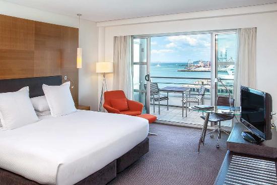 Hilton Auckland: King Hilton Deluxe Harbour view