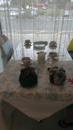 Magnolia Terrace Tea Room: Two lovely pots of tea.