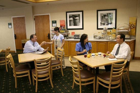 Hampton Inn Salt Lake City/Sandy: Breakfast Lobby