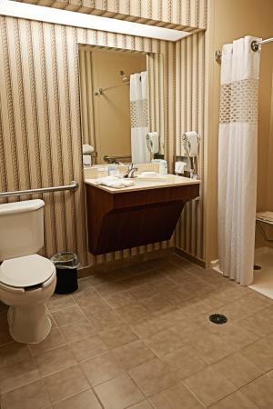 Scottsburg, Индиана: Standard Bathroom
