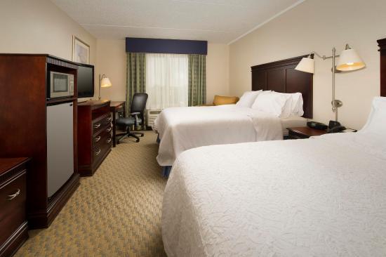 Liverpool, estado de Nueva York: 2 Queens Guest room