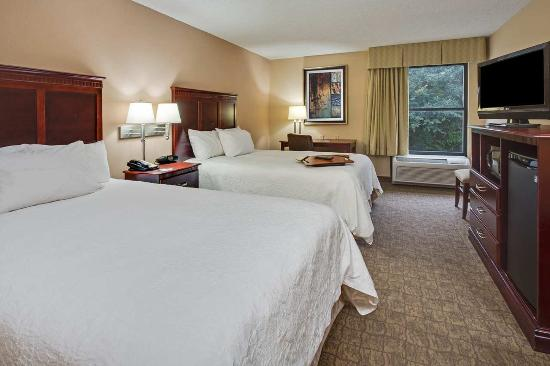 Hampton Inn Perry: Standard Double Bedroom