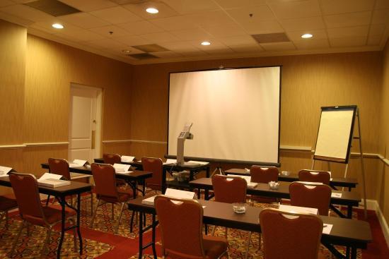 Hampton Inn Louisville Downtown: Meeting Facilities