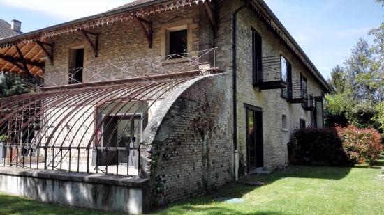 Annexe des chambres contemporaines - Picture of Domaine des ...