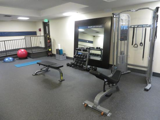 Daly City, CA: Fitness Center Equipment