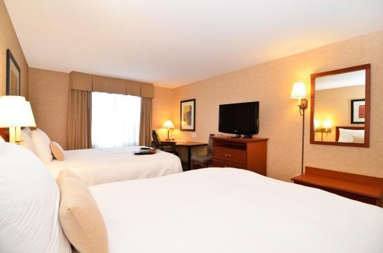 Surrey, Kanada: Two Queen Beds