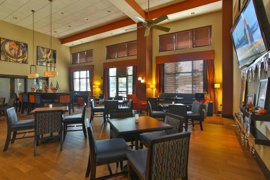 Hampton Inn & Suites Schertz: Dining Space