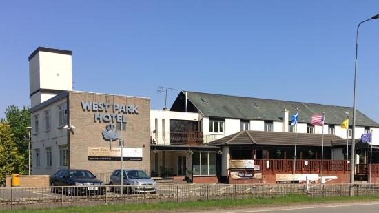 West Park Hotel: Front Building