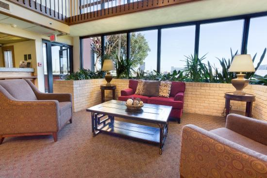 Drury Inn & Suites San Antonio Northeast: Lobby
