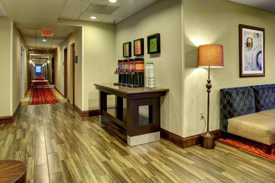 Johnson City, TN: Lobby Area