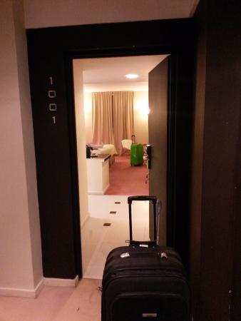 Uno Buenos Aires Suites: Entrada da nossa Suite... Ótima Suite!