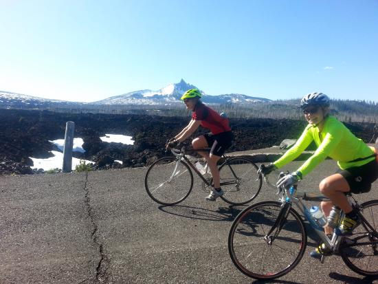 Bicyclists at Windy Point on the road from Sisters to McKenzie Pass