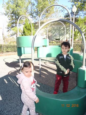 Reunion Resort of Orlando: Un Parquecito donde los niños pueden Jugar