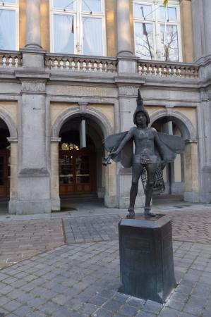 Papageno Statue