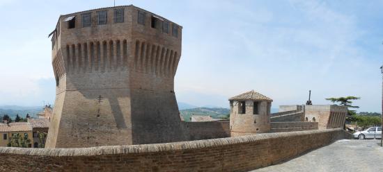 Mondavio, อิตาลี: vista dalle mura