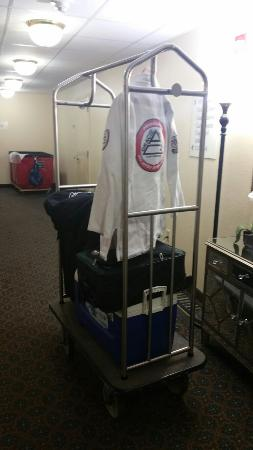 Candlewood Suites Washington, Dulles Herndon: Very nice stay. The staff went out of thier way to be helpful and accommodating. Very clean and