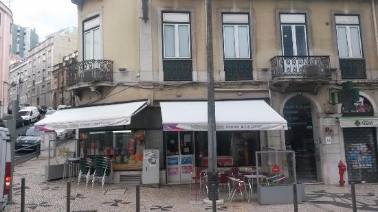 Residencial Estrela de Arganil: entré hôtel et cafe