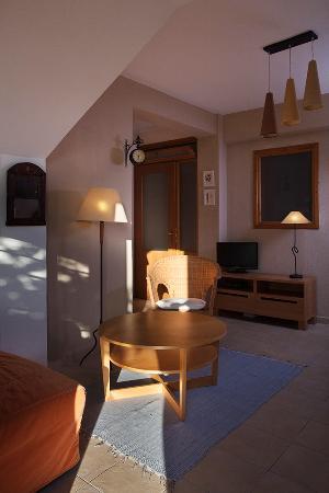 4 Elies Apartments