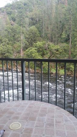 Yosemite View Lodge: 20160510_191911_large.jpg