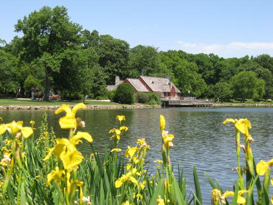DuPage County, IL : Glen Ellyn Lake Ellyn Boathouse