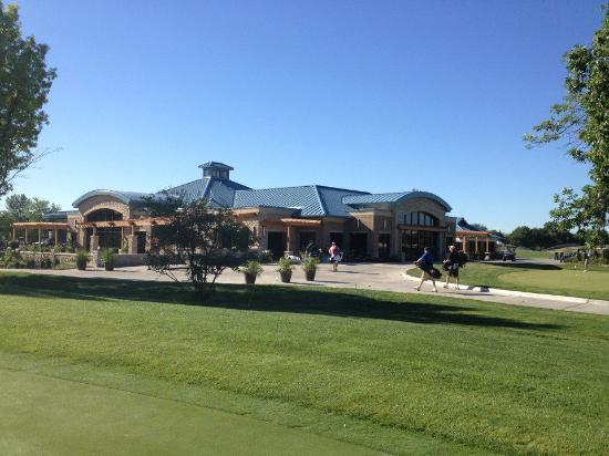 DuPage County, IL : Glen Ellyn Clubhouse