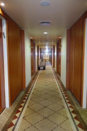 Kibbutz Lavi Hotel : המסדרון המקשר לחדרים