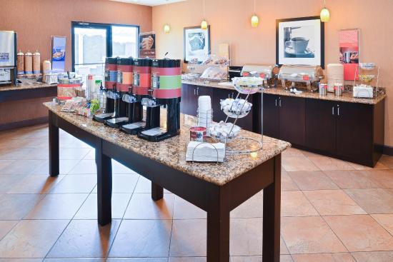 Hampton Inn & Suites Atlantic Beach: Coffee Station