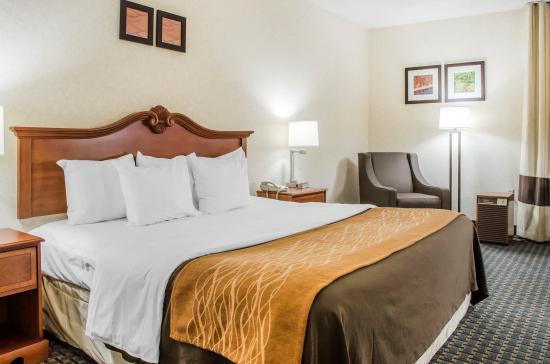 West Hazleton, PA: King suite