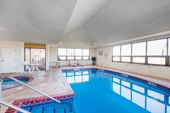 Pryor, OK: Pool