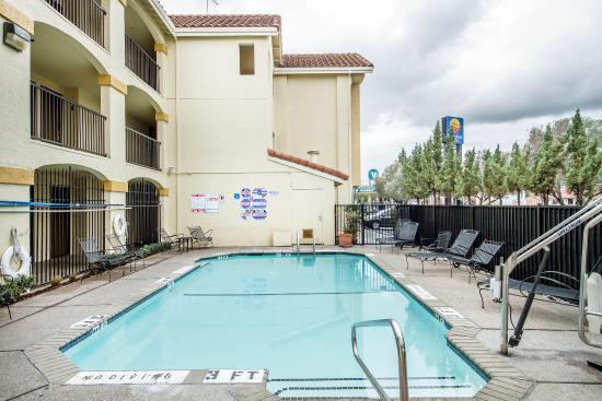 Comfort Inn Cordelia: Pool