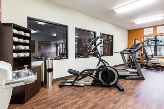 Comfort Suites Webster : Fitness Room