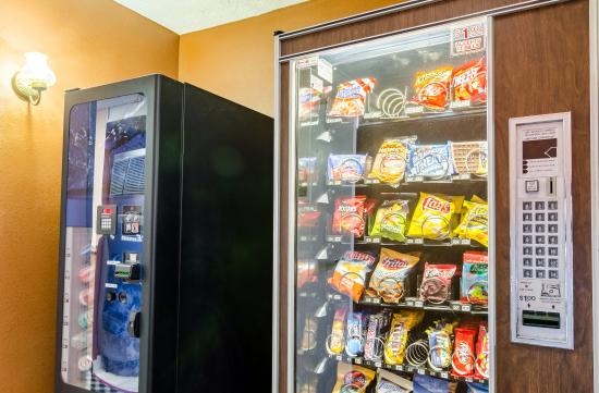 Econo Lodge of Junction City: Vending