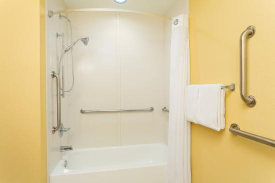 Surprise, AZ: ADA/Handicapped accessible Guest Bathroom with mobility tub