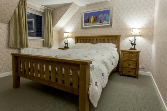 Eilean Donan Guesthouse : Kingsize double in family room