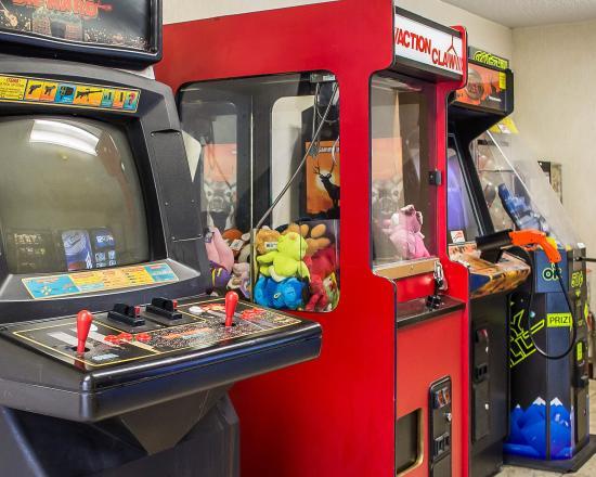 Bellville, OH: Arcade