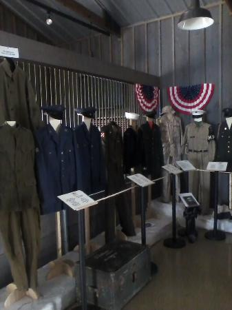 Pinckneyville, IL: Veterans Display