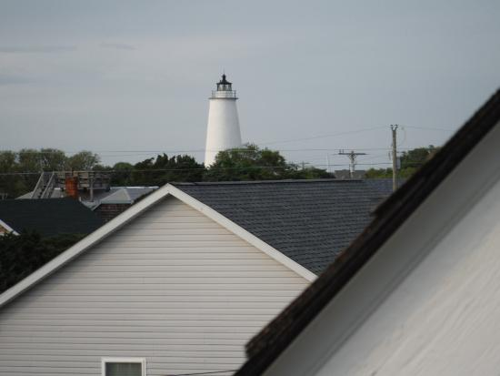 The Cove Bed and Breakfast: Ocracoke Lighthouse from Portsmouth Suite Balcony