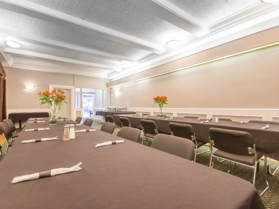 Quality Inn Downtown Inner Harbour: Meeting Room