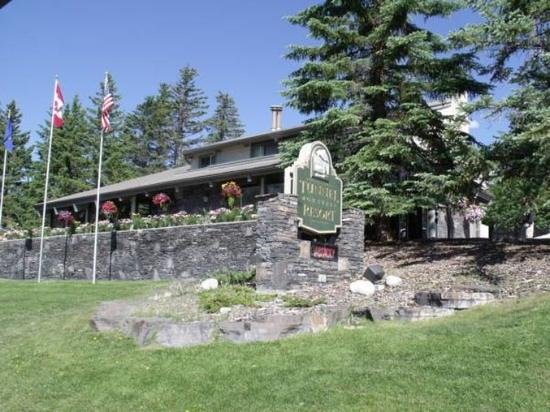 Tunnel Mountain Resort: Exterior